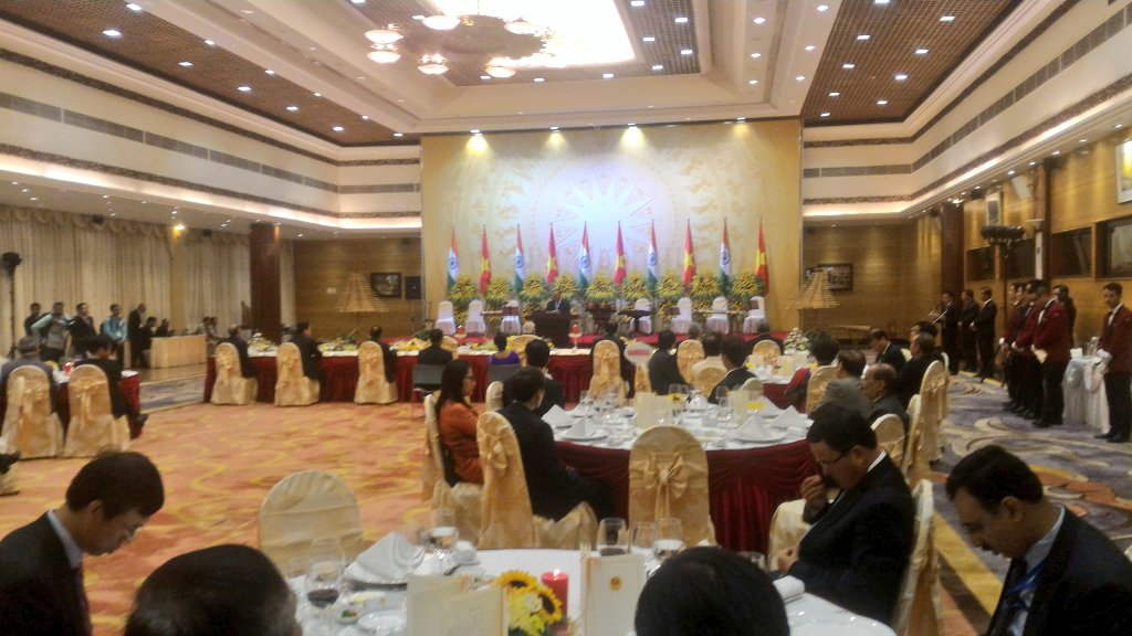 Vietnam PM Phuc Hosts Banquet For PM Modi